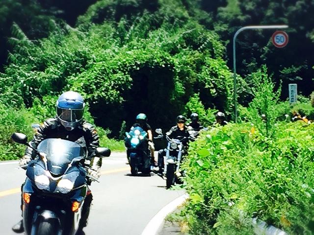 バイクツーリングでお尻が痛いのならバイク専用の座布団を使うべき!